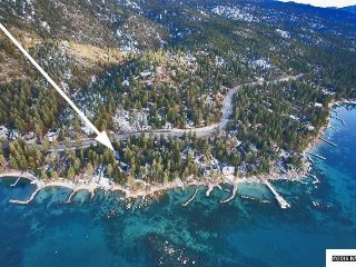 Magnificent Lincoln Park Home, Steps from the Southeastern Shore of Lake Tahoe!!, Zephyr Cove