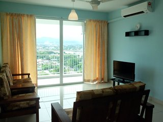 COMFY and SPACIOUS 3-Room Condominium for 6pax
