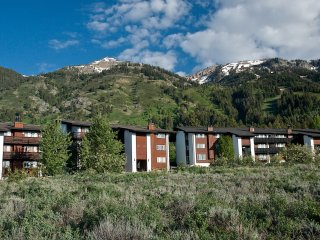 Ideal basecamp for your Teton Village adventures year-round