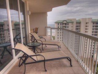 Beach Penthouse and Poolside Cabana