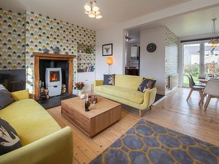 Comrie Village Cottage - OFFER - 10% DISCOUNT UP TO 30/06/17 (APPLIED TO PRICES)
