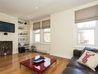 New Amazing 2 Bed Roof Terrace Flat in Battersea