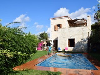 LOTUS,  pool, sea- sunset view, close to beaches, restaurants, shops, Rethymno.