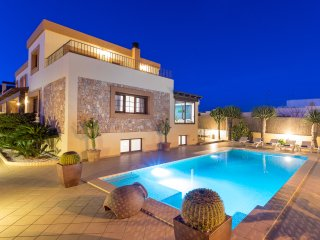 Stunning modern villa for large groups near Ibiza Town and Playa d'en Bossa.