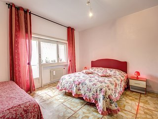 Wide and comfortable apartment up to 8 people in Vatican zone.