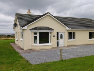 Atlantic View Holiday Cottage with Sea and Mountain views (Wild Atlantic Way)