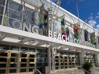 3Bedroom/2Bath Walk to Convention Center____ Sleeps 8-10, Long Beach