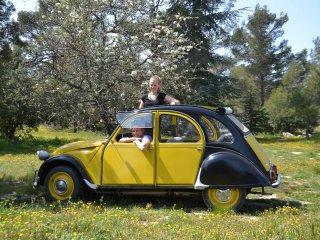 Une de nos voitures mythiques 'la 2moiselle'