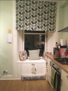 Spacious Edinburgh Flat In City Centre- Perfect Location for Business/Holidays