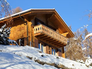 Charming chalet Clochette in 4 Vallees ski resort with 10% Skiticket discount, La Tzoumaz