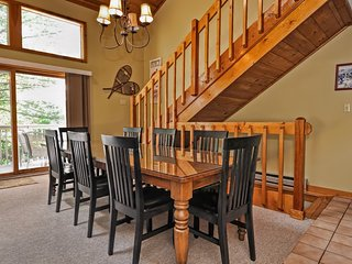 RELAXING!!!!  RELAX IN THIS SPACIOUS TOWNHOUSE - IN THE HEART OF LINCOLN, NH