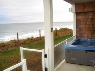 Surfs Up-OCEANFRONT CONDO W/ HOT TUB