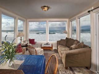 Seamist- Ocean Front Home Open 4/8-10, Lincoln City