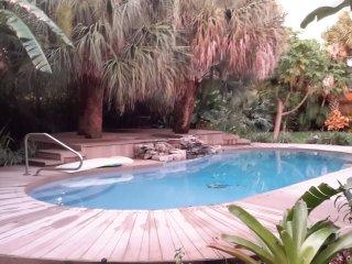 Backyard Pool 200 feet to Neighborhood Beach