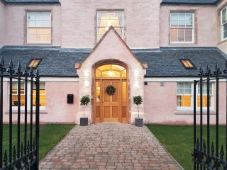 Ardconnel Court Two-Bedroom Apartment Executive