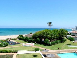 BEACHFRONT APARTMENT WITH SEA VIEWS. WIFI. REF: TIERRA DE MAR 06