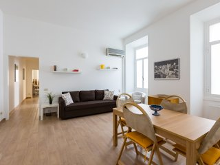 NEW Modern 2Bedroom Apartment near St.Maria Maggiore