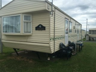 Caravan 6 berth..Ty Gwyn Caravan Park T-2 double glazed central heated + sky tv, Towyn