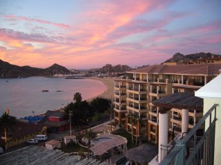 Only swimmable beach in Cabo.  Available   2/09/2018 to 02/16/2018, Cabo San Lucas