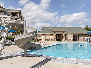 Paradise Point Hollister, MO. One Bedroom Executive