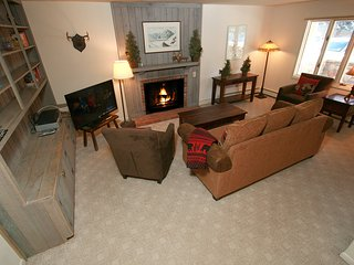 Vail Trails  2-bedroom Condominium - Walk to Lifts, on Gore Creek, Great Value!