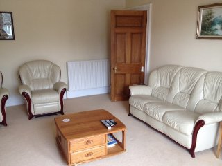 2 bedrooms, (1double & 1 twin) self contained flat in Cults, Aberdeen. AB15