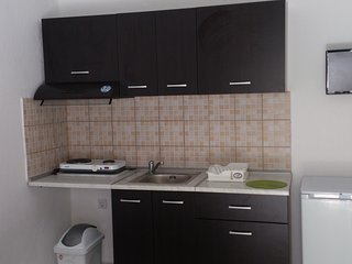 Gatos studios & apartments