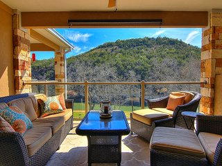 Fabulous 2/2 right on the Guadalupe River!, Canyon Lake