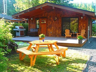 #3 Villa Johanne / 1BR / Pet Friendly, Port Renfrew