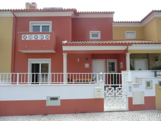 Maison mitoyenne neuve immatriculée à l'office de Tourisme Portugais 4231/AL