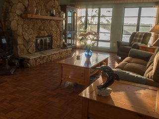 Serene Relaxation, Wide Canal, Mangrove Forest, Heated Pool, Free Laundry, Cape Coral