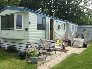 New Forest coast 3 BEDROOM MOBILE HOLIDAY HOME 2, Milford on Sea, Hampshire