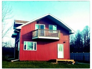 2 Storey Red Waterview Cottage at Hideout on Howe Retreat