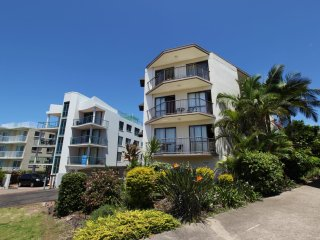 Ashwood Unit 7 Kings Beach QLD