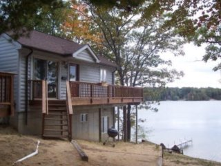 Waterfront Cottage Home with Beautiful Views of Spider Lake -windjammeronthelake, Traverse City