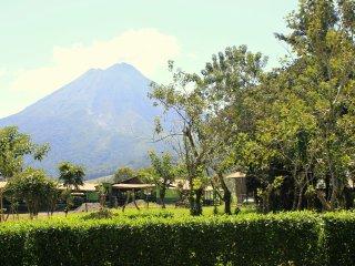 Abuela Flory Home & Access to Arenal Manoa Hotel, La Fortuna de San Carlos