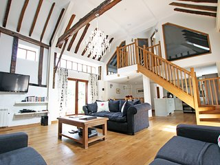 Green Farm Luxurious Barn Conversion