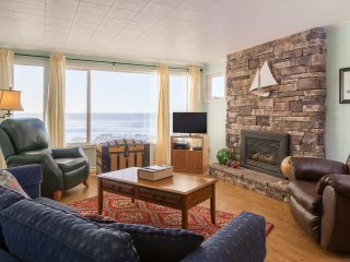 Captain Quarters-3 BD,kitchen,fireplace,oceanfront