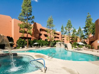 Great Phoenix Adventure - Luxury Remodel - WiFi & Central Location