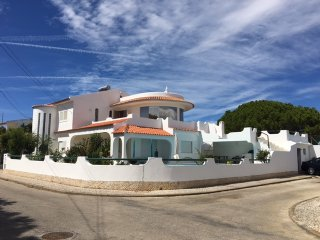 Charming Villa close to sublime Algarve beaches, prestigious Golf courses,Casino