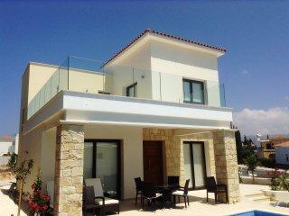 Golden villa 1. Luxury 3 bedroom beach villa with private pool.