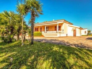 Villa Del Sol- Upper Apartment, Alghero