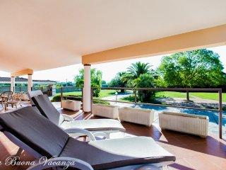 Villa Del Sol  8 bedrooms, Alghero