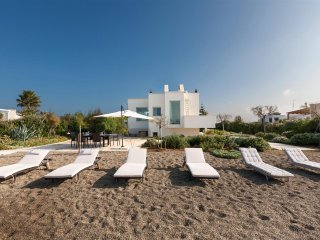 567 Sea Front Villa with Direct Access to the Beach of Polignano