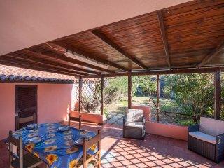 Villetta sul mare con ampio giardino privato, veranda coperta e barbecue