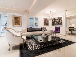 Super Luxury Apt close to the Acropolis Museum