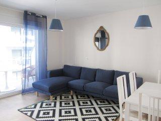 Apartamento nuevo y moderno a 6 min. del centro y 14 de las 2 playas!!