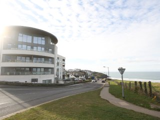 Dunes Reach is a luxury 1 bed apartment in iconic Ocean Gate at Fistral