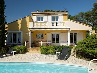 Provence Jardin 33564 Provencal villa with panoramic sea views and private pool., Ste Maxime