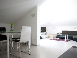 Spacious Modern Apartment with Private Parking in Split - Nova 1